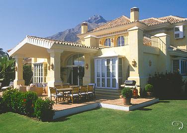 Marbella villa vacation rentals luxury marbella villa for Decoration villa de luxe